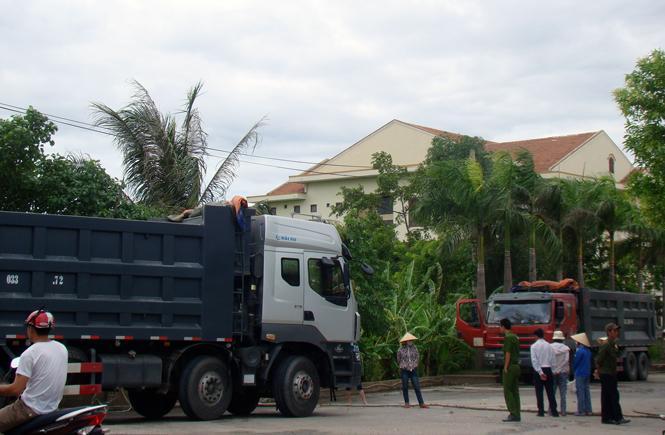 """Vấn đề ô nhiễm môi trường tại khu vực Nhà máy xi măng Áng Sơn: Tiếp tục """"nóng""""!"""
