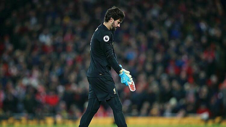 Van Dijk giúp Liverpool củng cố đỉnh bảng Ngoại hạng Anh