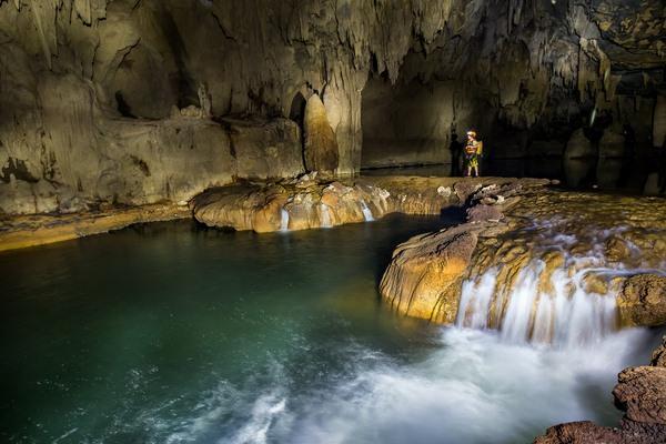 Vì sao Quảng Bình được mệnh danh là 'vương quốc hang động'