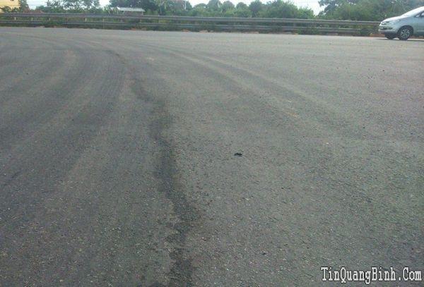 Vì sao tuyến đường QL 1A bảo hành 5 năm bị kẻ xấu phá hoại?