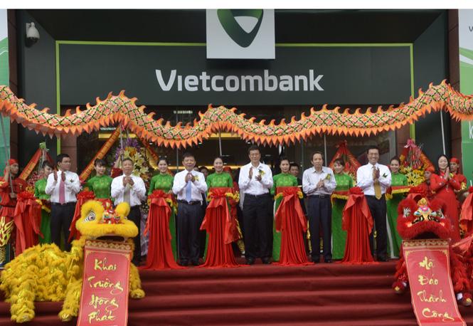 VietcomBank-Chi nhánh Quảng Bình: Khai trương trụ sở và tổ chức hội nghị khách hàng năm 2015