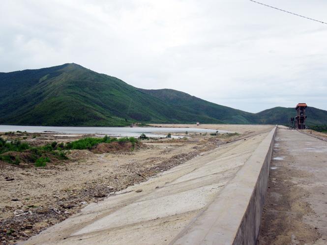 Vụ đông-xuân 2015-2016: Nguy cơ thiếu nước và chuột hại lúa