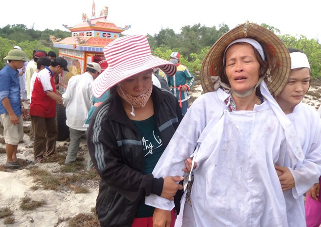 Vụ tai nạn xe máy thảm khốc tại Quảng Bình: Tan tác một gia đình
