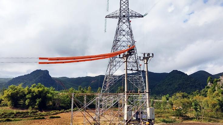 Vừa thi công, vừa cung ứng điện