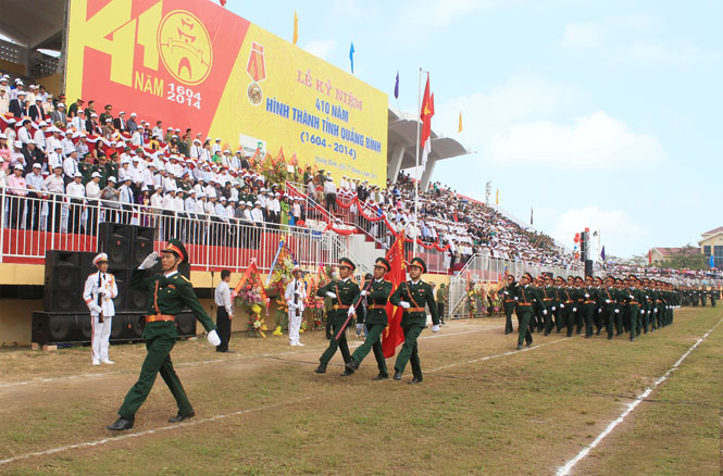 Xã luận: Tiếp nối truyền thống anh hùng của LLVT tỉnh trong thời kỳ mới