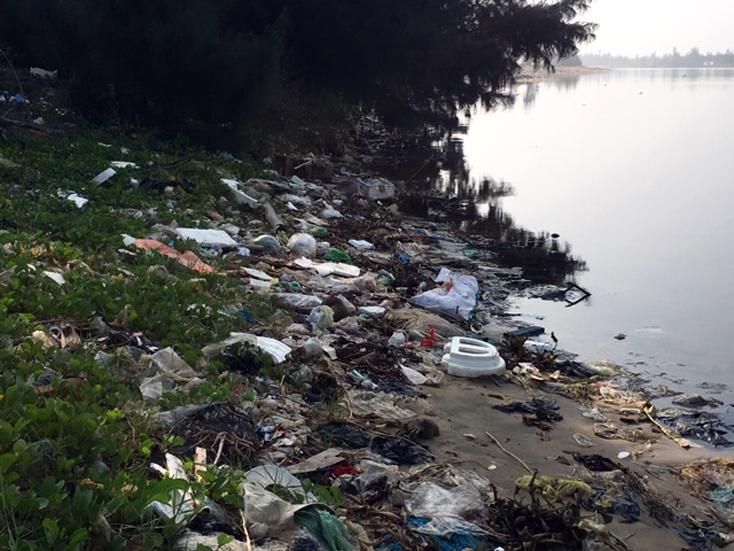 Xã nông thôn mới ô nhiễm vì rác thải