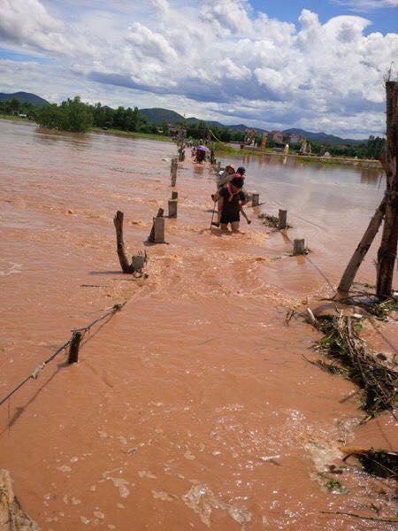 """Xã Quảng Trường (Quảng Trạch): Cầu phao xuống cấp, dân """"ốc đảo"""" bất an"""