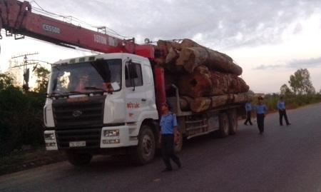 Xử lý xe quá tải Quảng Bình: Phạt từ doanh nghiệp