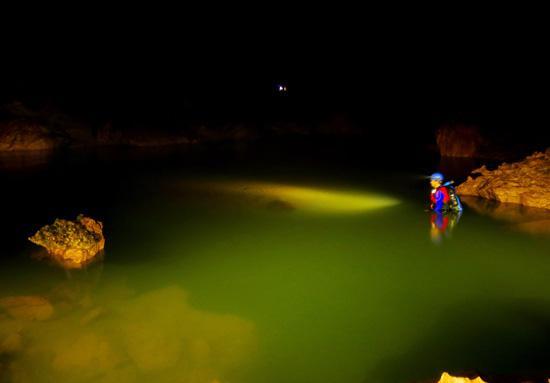 Xuyên Sơn Hồ - Lạ lùng và bí hiểm