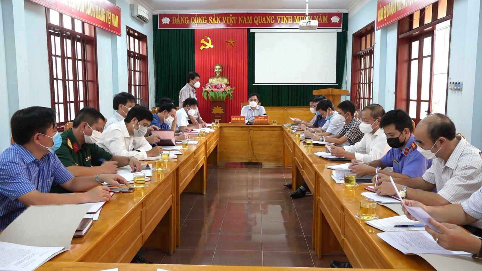 Đồng chí Trưởng Ban Nội chính Tỉnh ủy làm việc với Huyện ủy Minh Hóa
