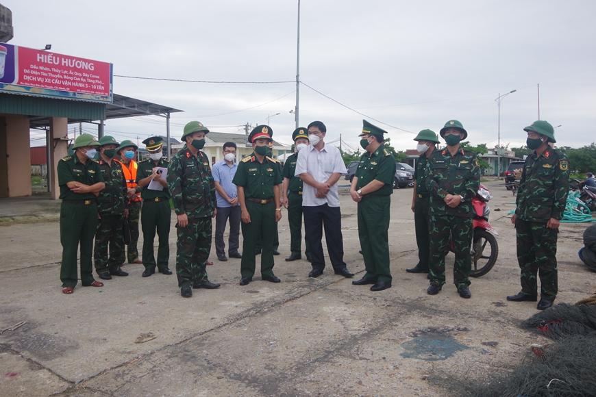 Tư lệnh Quân khu 4: Kiểm tra công tác phòng, chống bão số 8 tại Quảng Bình